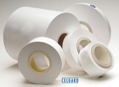 Las membranas microporosas con y sin recubrimiento de proceso seco de Celgard® se utilizan como separadores en varias baterías de iones de litio que se utilizan principalmente en vehículos eléctricos (EDV), sistemas de almacenamiento de energía (ESS) y otras aplicaciones especializadas. (PRNewsfoto/Polypore International, LP)